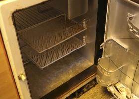 Der alte Sibir Kühlschrank-4-1